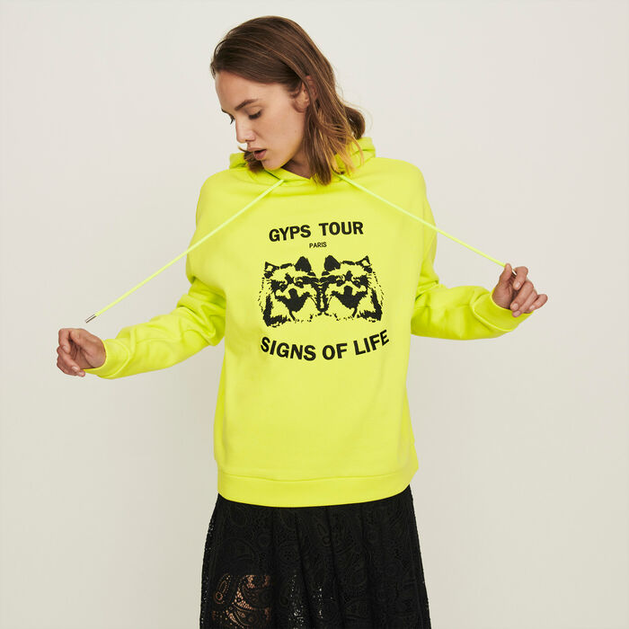 Embroidered hooded sweatshirt : Winter collection color Yellow