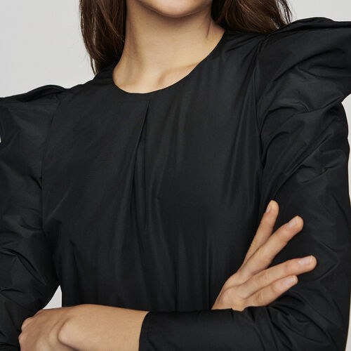 Taffeta top with shoulder detailing : Tops color Black 210