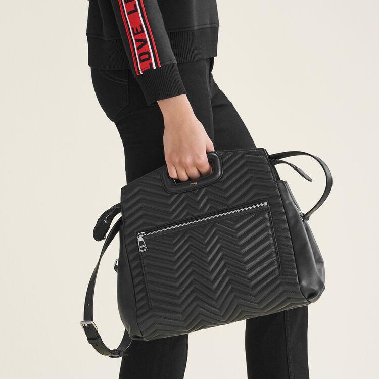Quilted leather shoulder bag : M bags color Black 210
