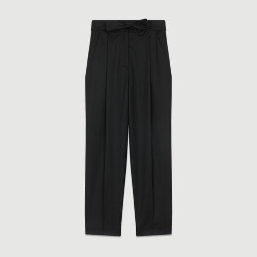 Pleated peg pants in virgin wool : Trousers color Black 210
