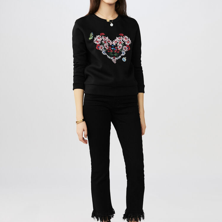 Sweatshirt with a flowered heart : T-Shirts color Black 210