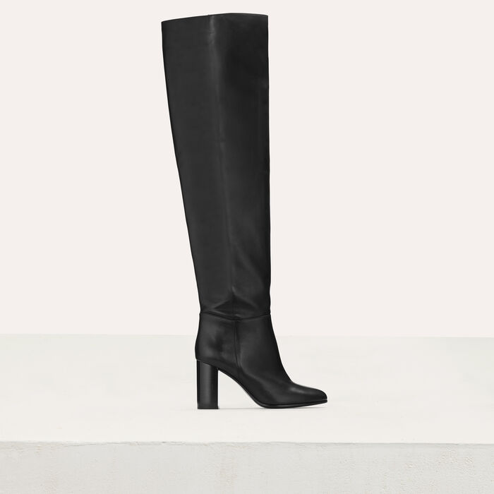 Heeled leather booties : New collection color Black 210
