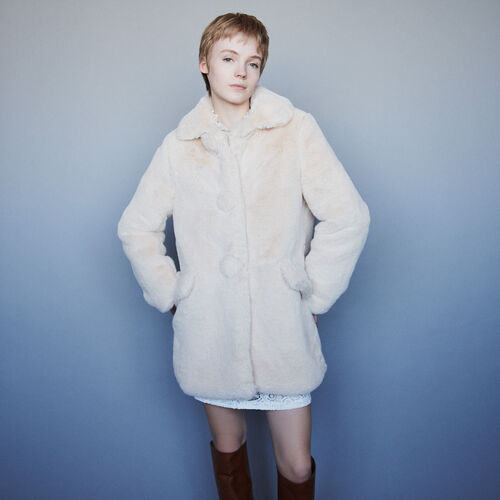 Faux fur coat : Campaign FW19 color Nude