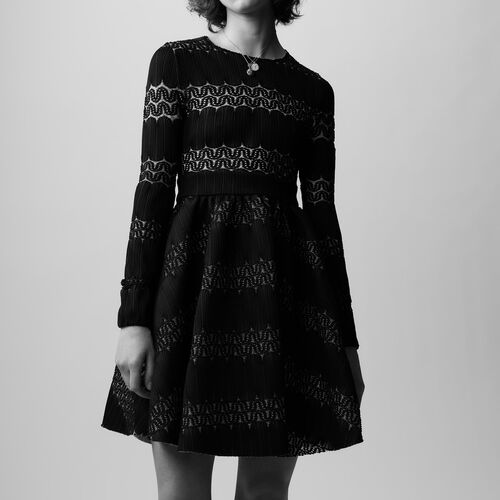 Rounded hem basket weave dress : See all color BLACK