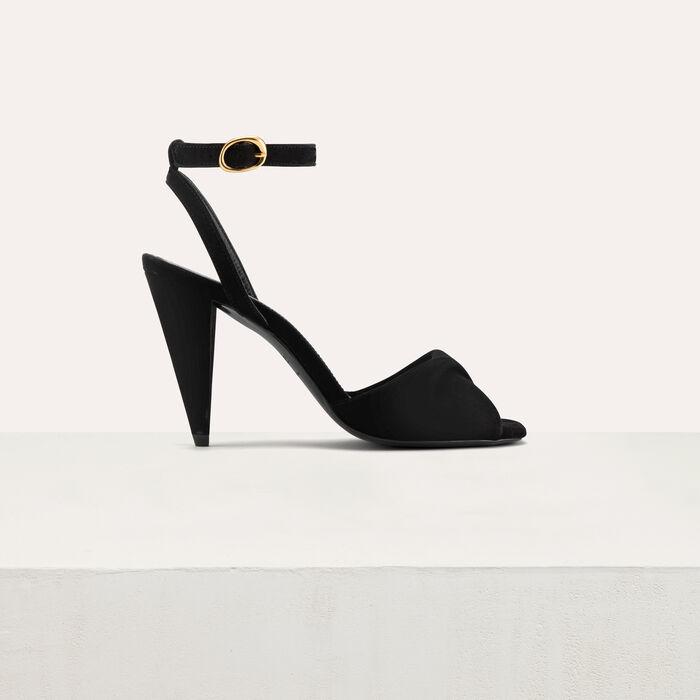Leather high heals sandals : Shoes color Black 210