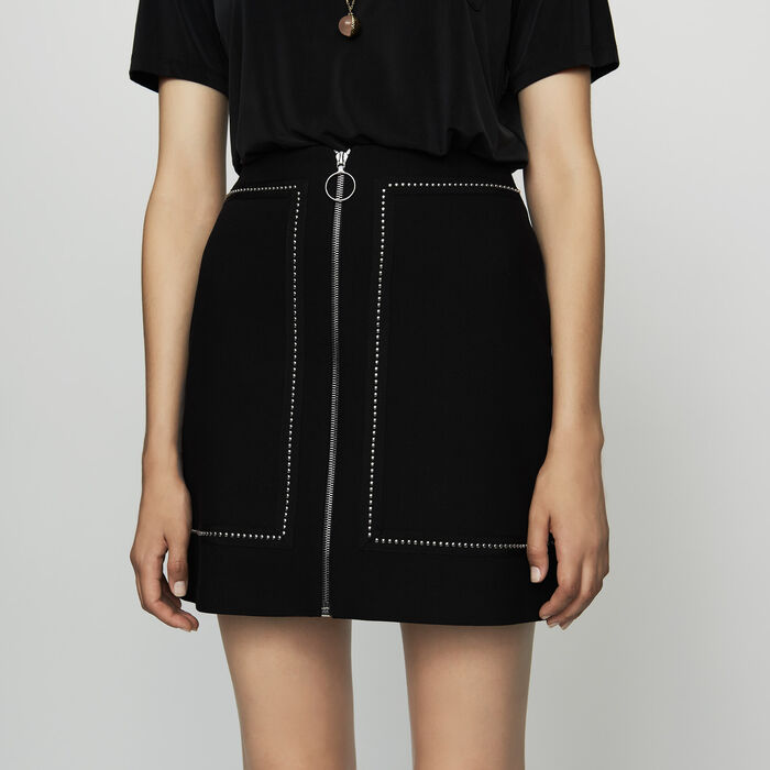 Short crepe skirt with studs : See all color Black 210