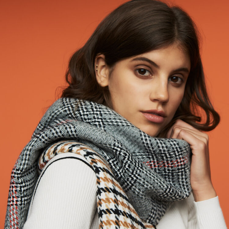 Knit scarf in plaid mix : Shawls & Ponchos color Multico