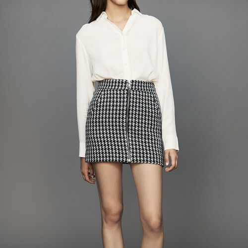 Short houndstooth skirt : Skirts & Shorts color Jacquard