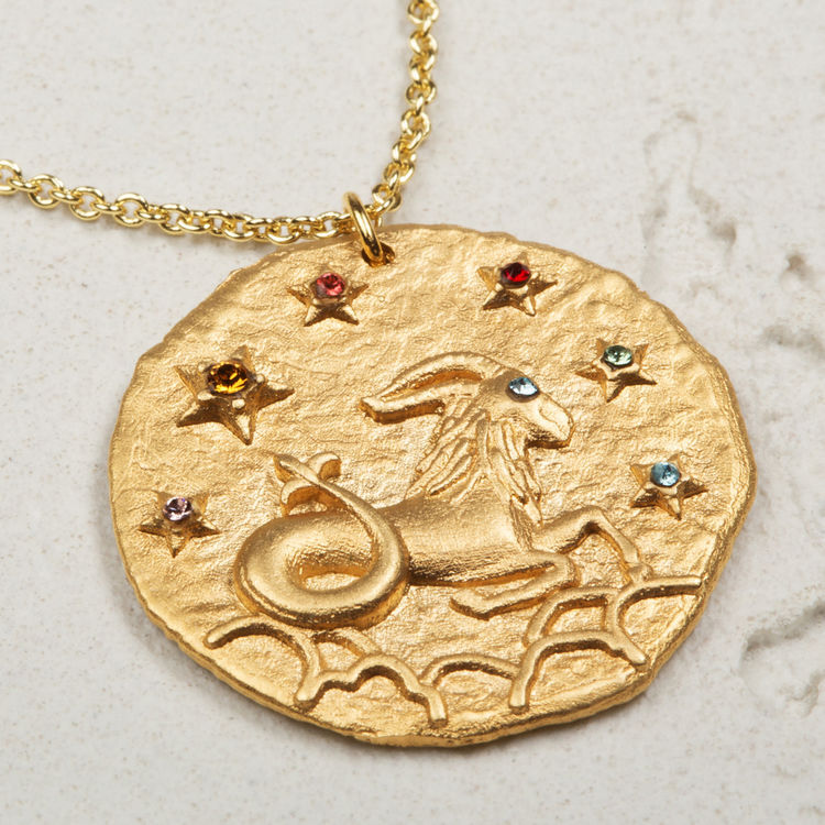 Capricorn zodiac sign necklace : See all color GOLD