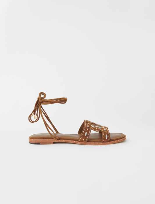 Flat tie sandals with studs : New collection color Caramel