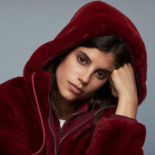 Cropped faux fur jacket : Burgundy color Raspberry